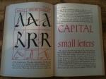 Redskapens innflytelse på bokstavenes utseende
