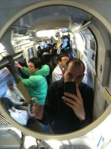 Selvportrett fra en t-banevogn i Tokyo, tatt på sist besøk.